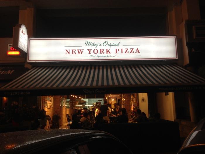 mikey's original new york pizza 01