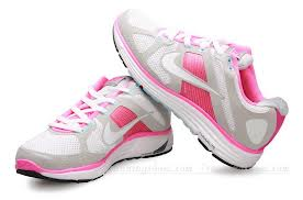 nike-pink-running-shoes