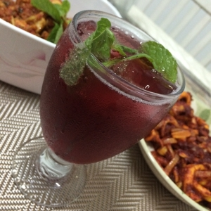 Sparkling ribena with mint